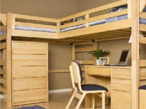 Эффектное оформление детской комнаты мебелью из фанеры